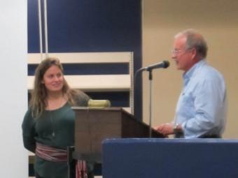 Bob Gray thanking Jenna. (Photo by John Dickson)